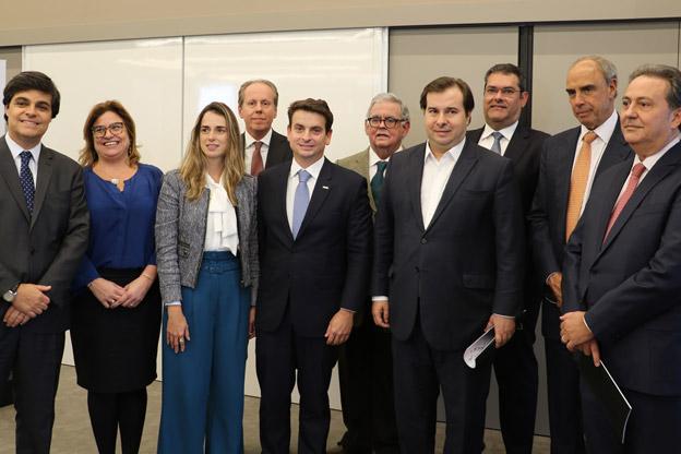"""AASP entrega parecer sobre projeto """"Anticrime"""" para presidente da Câmara"""