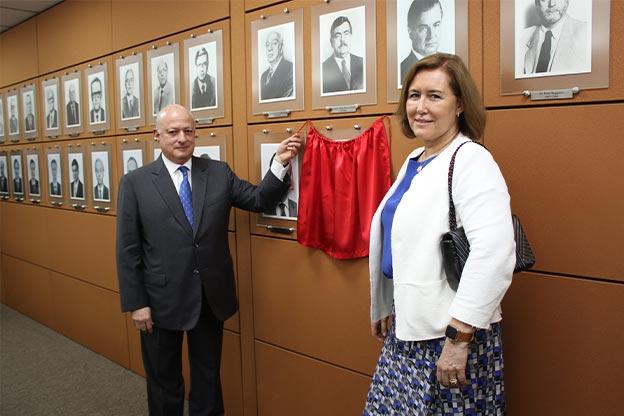 AASP inaugura retrato de Luiz Périssé Duarte Junior na galeria de ex-presidentes